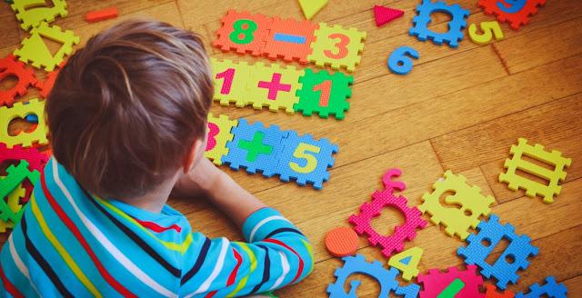 Matemático e Pedagogo Valdivino Sousa fala da  importância no Ensino de Matemática na Educação infantil.  O Matemático e Pedagogo com especialização em Psicopedagogia, Valdivino Sousa,  fala da importância na Educação infantil com o cotidiano das crianças.