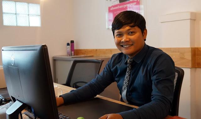 Leang Phossara, enfant de Battambang, passé par l'Aspeca et aujourd'hui responsable du développement commercial et du réseau des 20 Caisses au siège du Crédit Mutuel Kampuchea