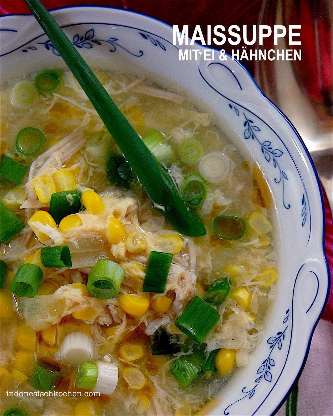 Asiatische Maissuppe mit Eierflocken