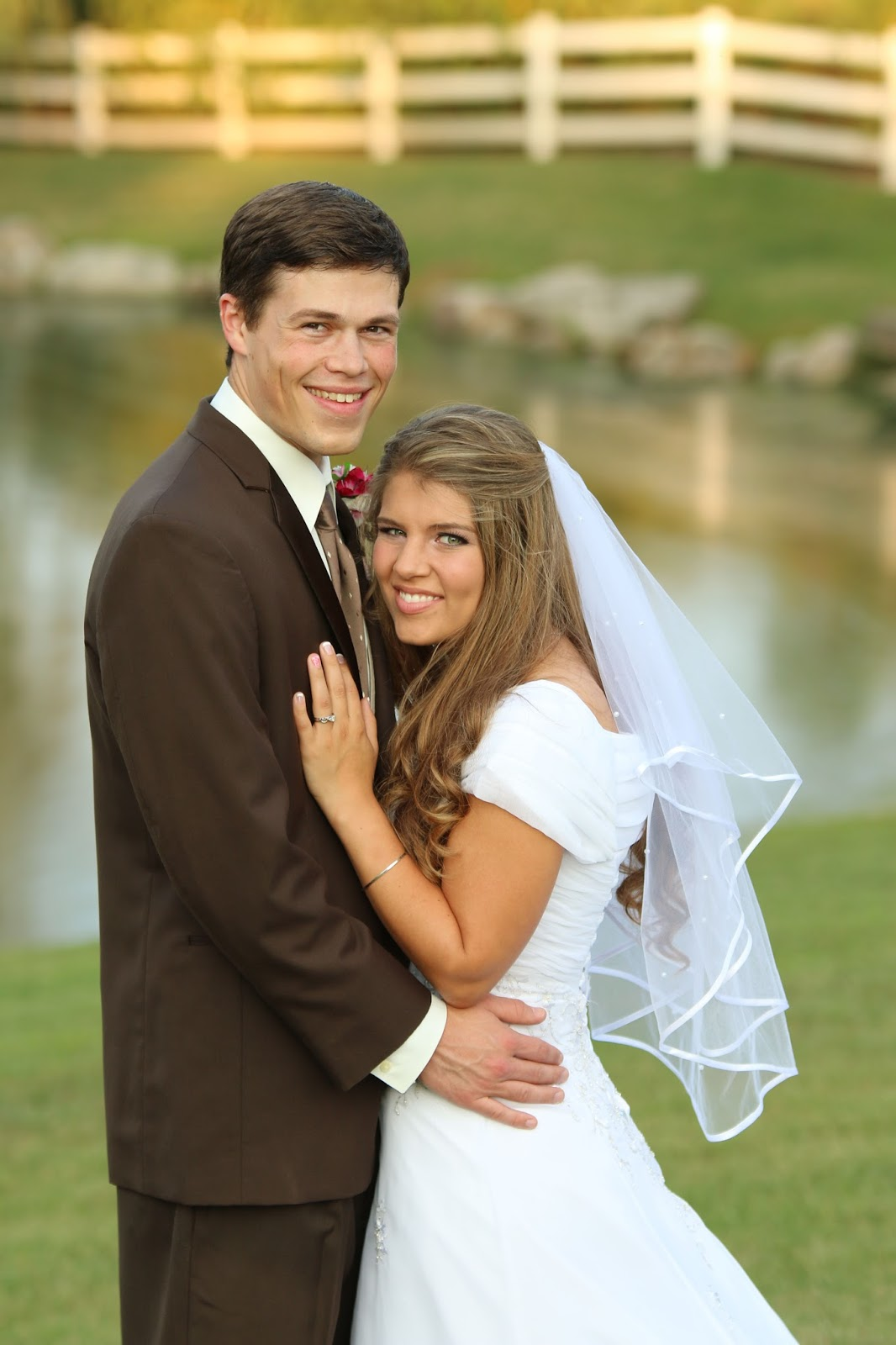 The Bates Grandkids Brandon Michael,Plus Size White Short Wedding Dress