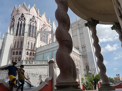It's all about good angles, with the Expiatorio Temple in León