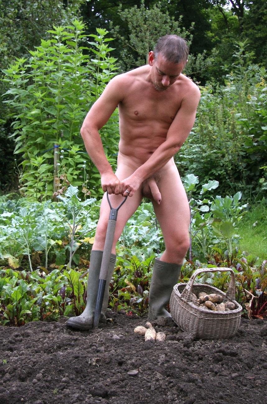 men-farm-naked-naked-xena-mommy