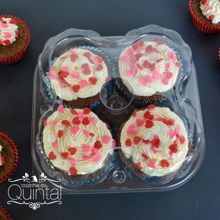 Os confeitos de açúcar deixam o cupcake lindo!