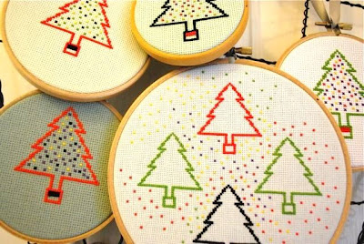 http://www.kate-7ws.blogspot.com/2013/11/christmas-cross-stitch-tutorial.html