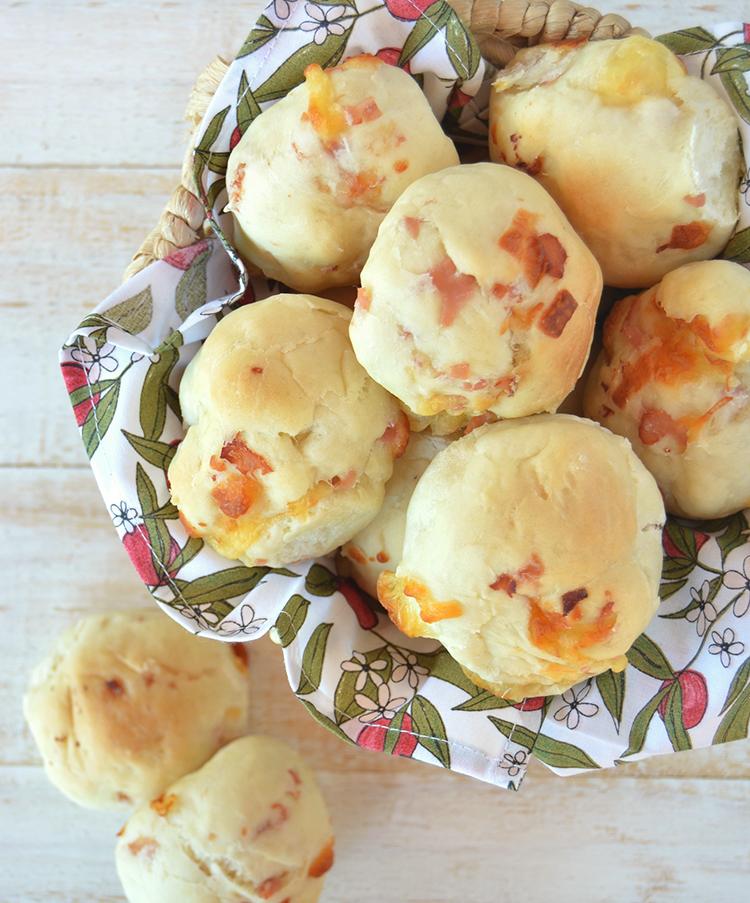 Pancitos de jamón y queso