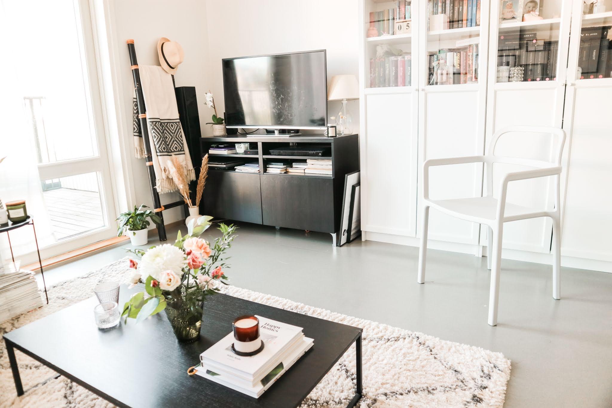 Big mamas home by Jenni S. Ruokapöydän uudet tuolit: Ikea Ypperlig