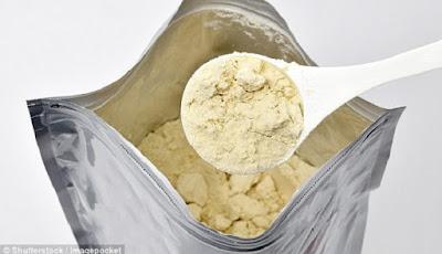 Bubuk protein kedelai yang akan dibuat menjadi susu