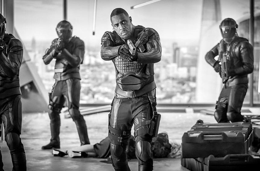Hobbs & Shaw | Dwayne Johnson revela imagem de Idris Elba como o vilão do derivado