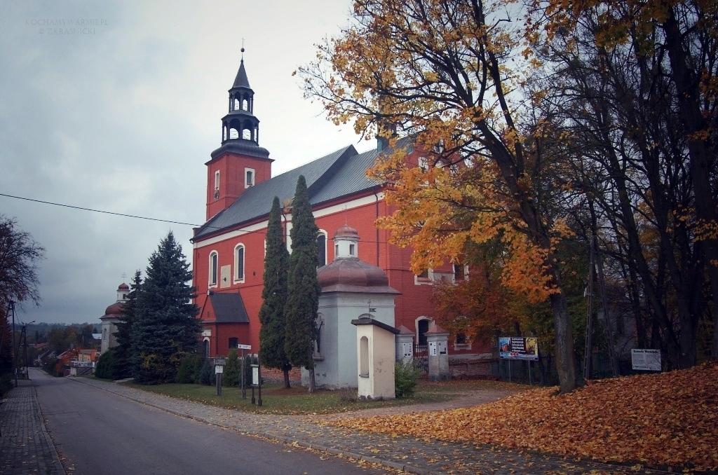 Głotowo | Kościół z unikalnym system zegarów słonecznych