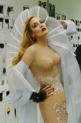 Jailbait looking naked girl