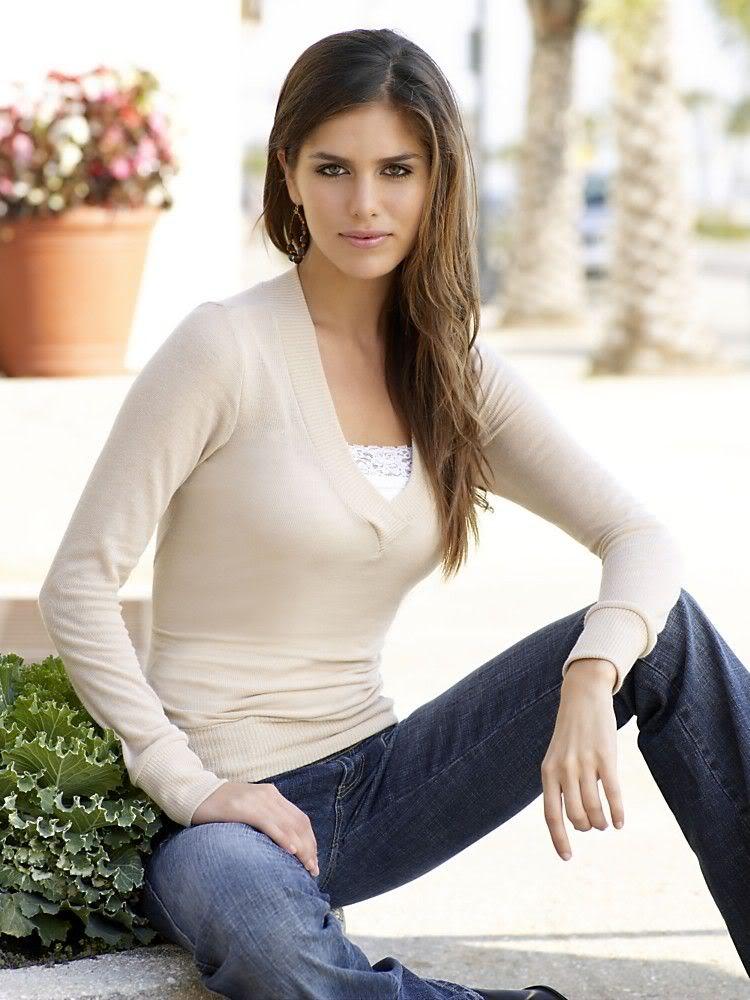 Women Stars: Anahi Gonzales  |Anahi Gonzales 2013