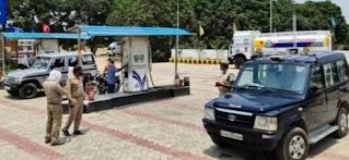 दिन दहाड़े पेट्रोल पंप पर तंमचे के बल पर लाखों की लूट | #NayaSaberaNetwork