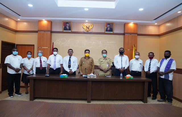Ridwan Rumasukun Ungkap Kuota 130 Formasi CPNS Keerom Prioritas Honorer di 11 Distrik.lelemuku.com.jpg