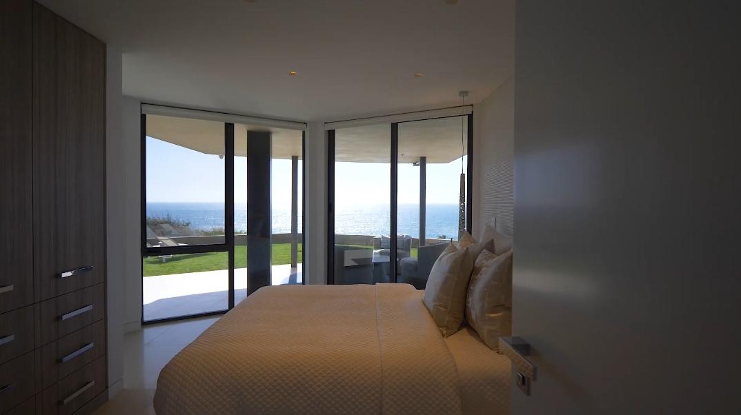 65 Interior Photos vs. 56 N La Senda Dr, Laguna Beach, CA Ultra Luxury Modern Mansion Tour