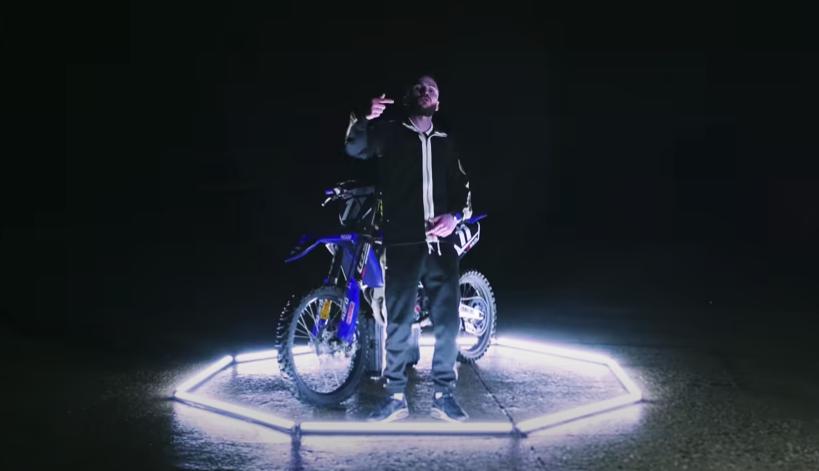 Nordix avec sa moto pour le clip Kool & the gang