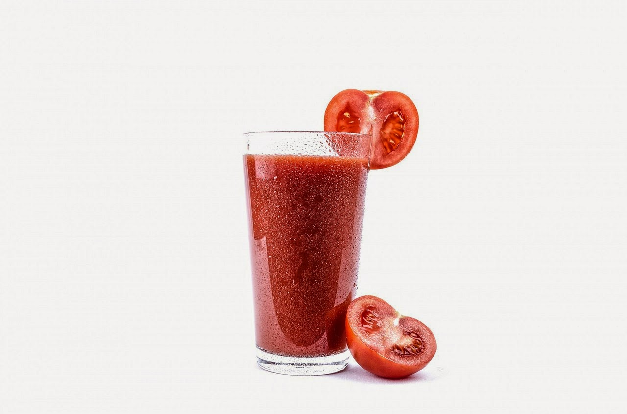 Spicy Tomato Juice Drink | Becky Cooks Lightly #beverage #weightwatchers