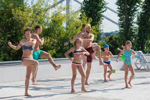 Бесплатные занятия по прыжкам в воду в бассейне под открытым небом «Чайка»