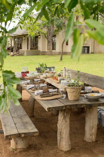 Take a Lunch in the garden!