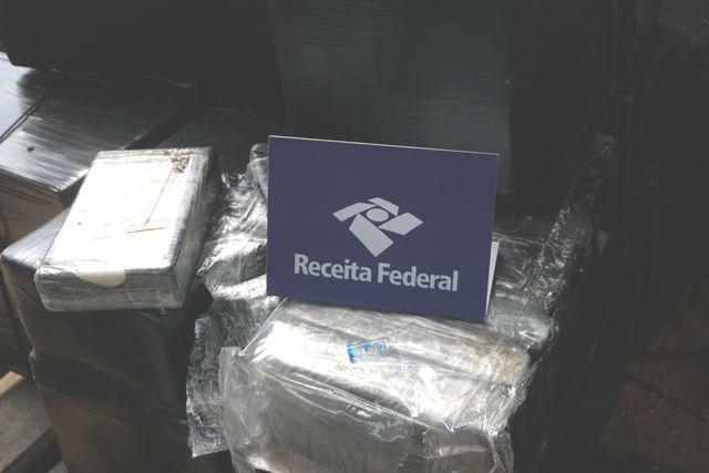 Receita Federal apreende mais de meia tonelada de cocaína no Porto de Santos