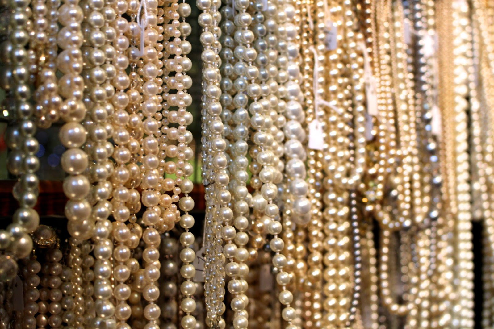 Costume Jewellery Pearls Photography