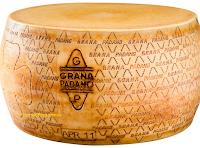 Logo Grana Padano #TuttoIlBuonoDelNatale: vinci gratis 100 kit e 1 forma intera di Grana Padano