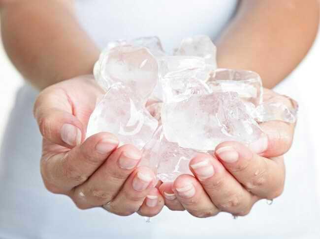 Gemar Makan Es Batu?... Hati-Hati Ini Dampaknya Bagi Kesehatan