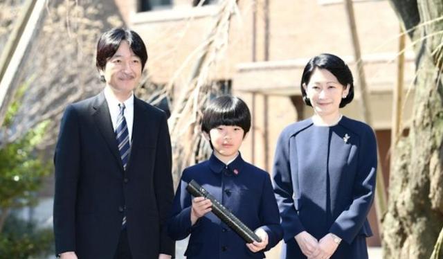 Tak Menyangka, Bocah Cilik Ini Ternyata Pewaris Takhta Kekaisaran Jepang!