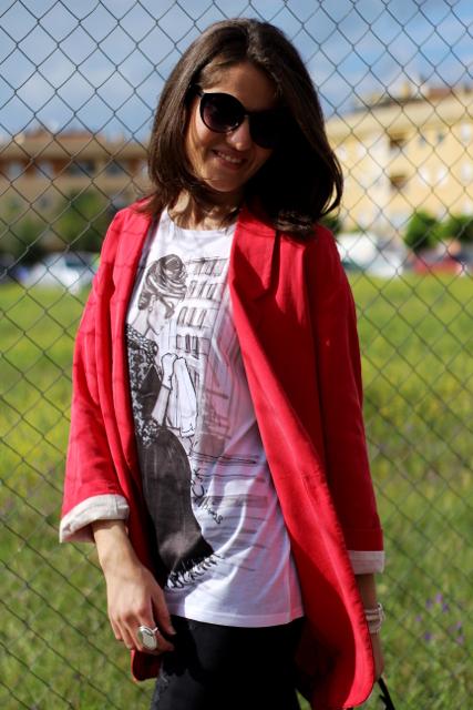 Blazer, camiseta y pitillos!!!