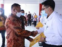 Serahkan SK Pengangkatan CPNS Formasi 2019, Bupati Nanang Ingin CPNS Lamsel Berkualitas dan Berdedikasi Baik