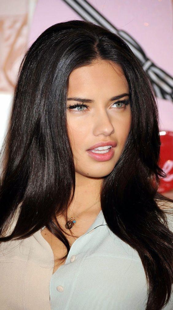 Adriana Lima Hot Pics