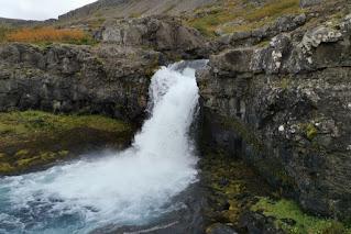 Cascada de Göngumannafoss. Fiordos del Oeste, Islandia. West Fjords, Iceland.