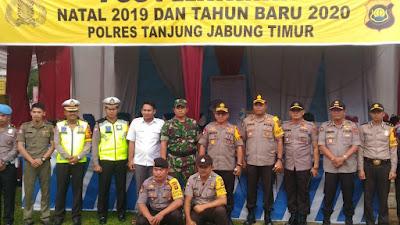 Kapolda Jambi Dengan Didampingi Kapolres Tanjabtim Cek Pos Yan Ops Lilin Siginjai Tahun 2019 Di Simpang Tuan