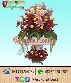 Karangan-bunga-standing-flower-dari-toko-bunga-bekasi