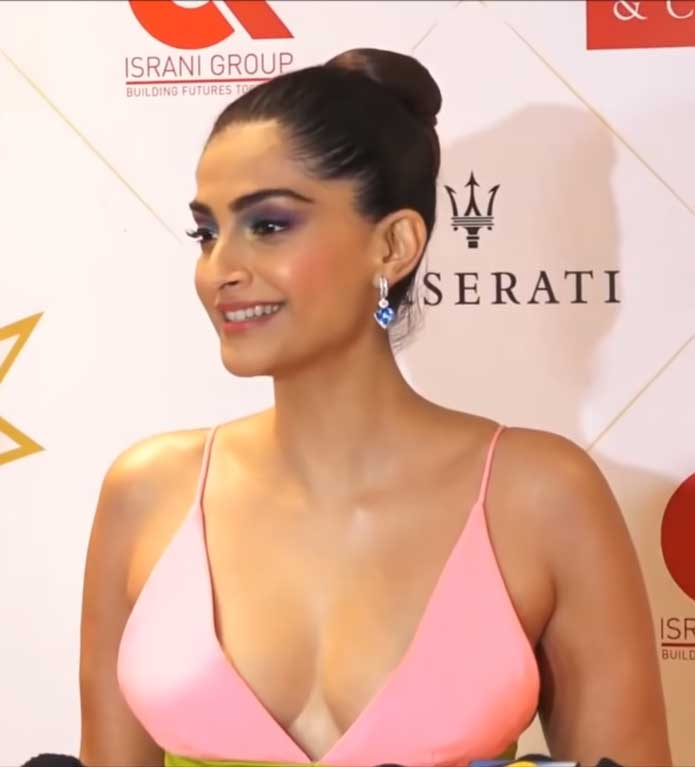 Sonam Kapoor Hot Boobs and Sexy Cleavage show