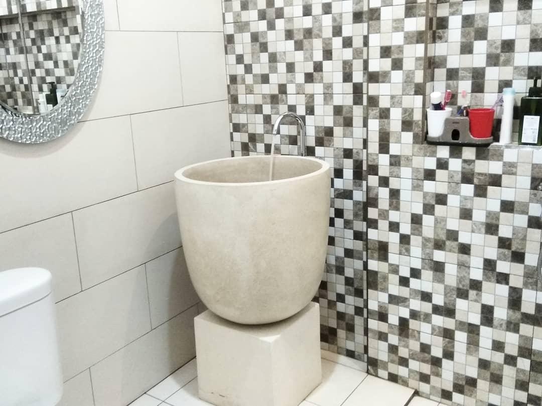 Kumpulan Dekorasi Kamar Mandi Simple Dan Elegan ~ Homeshabby.com : Design Home Plans, Home Decorating And Interior Design