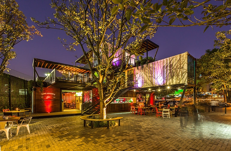 17-Shipping-Container-Architecture-6-Restaurants-in-the-Contenedores-Food-Place-www-designstack-co