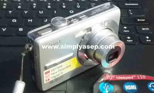 KEREN :  Inilah Kodak EasyShare M852 tampak dari liuar yang lumayan keren juga. Dalam posisi ON lensa akan muncul keluar. Foto Asep Haryono