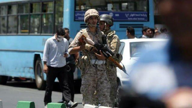Al menos doce muertos y 39 heridos en los ataques terroristas de Teherán