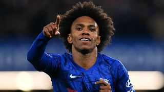 Chelsea 're-open talks with Willian after he turned down offer from Chinese club