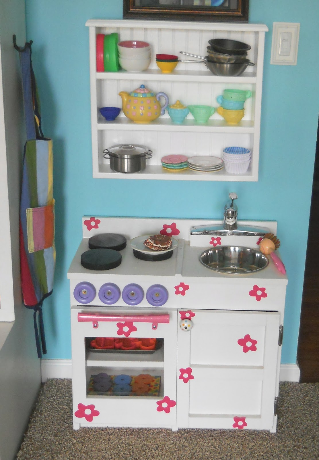 1001 Goals: Hanging shelf for play kitchen