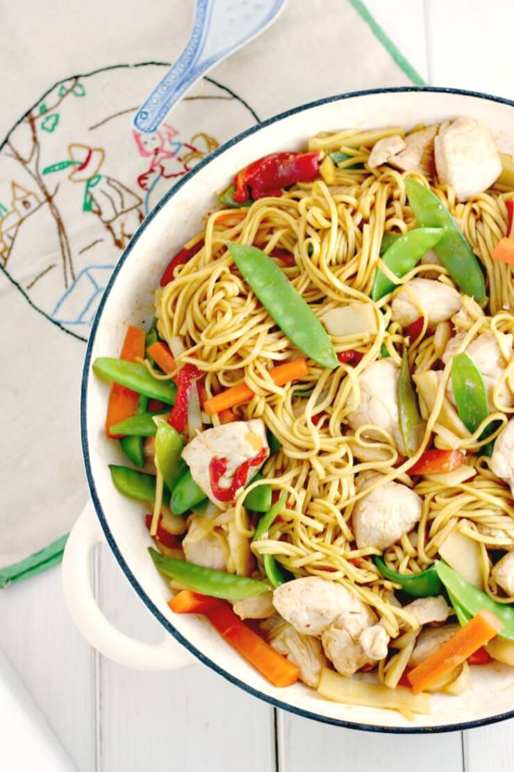 Easy chicken noodle stir fry close up