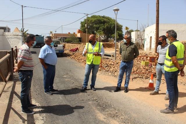 Cabildo de Fuerteventura  continúa con las obras para mejorar las condiciones de la travesía de Triquivijate