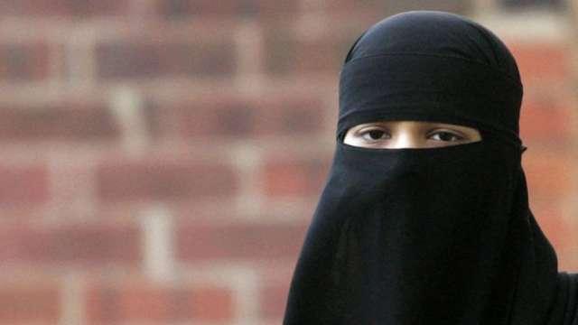 Deoband bans Muslim women from sharing selfies on Facebook, Whatsapp, Twitter