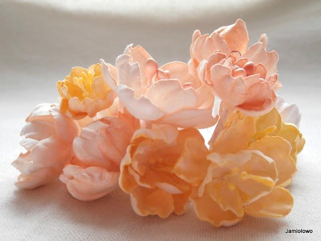 papierowe kwiaty ręcznie robione