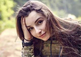Gadis Rusia Terlalu Cantik