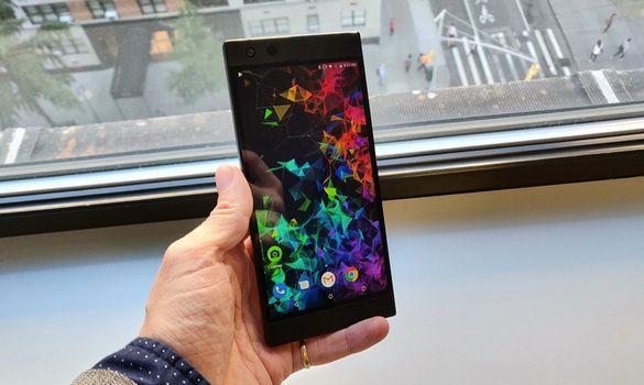 شركة Razer تكشف عن هاتفها الجديد للجيمرز Razer Phone 2 !!