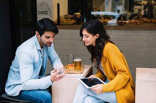 2 Metode Agar Dialog Kencan Pertama Anda Terus Mengalir