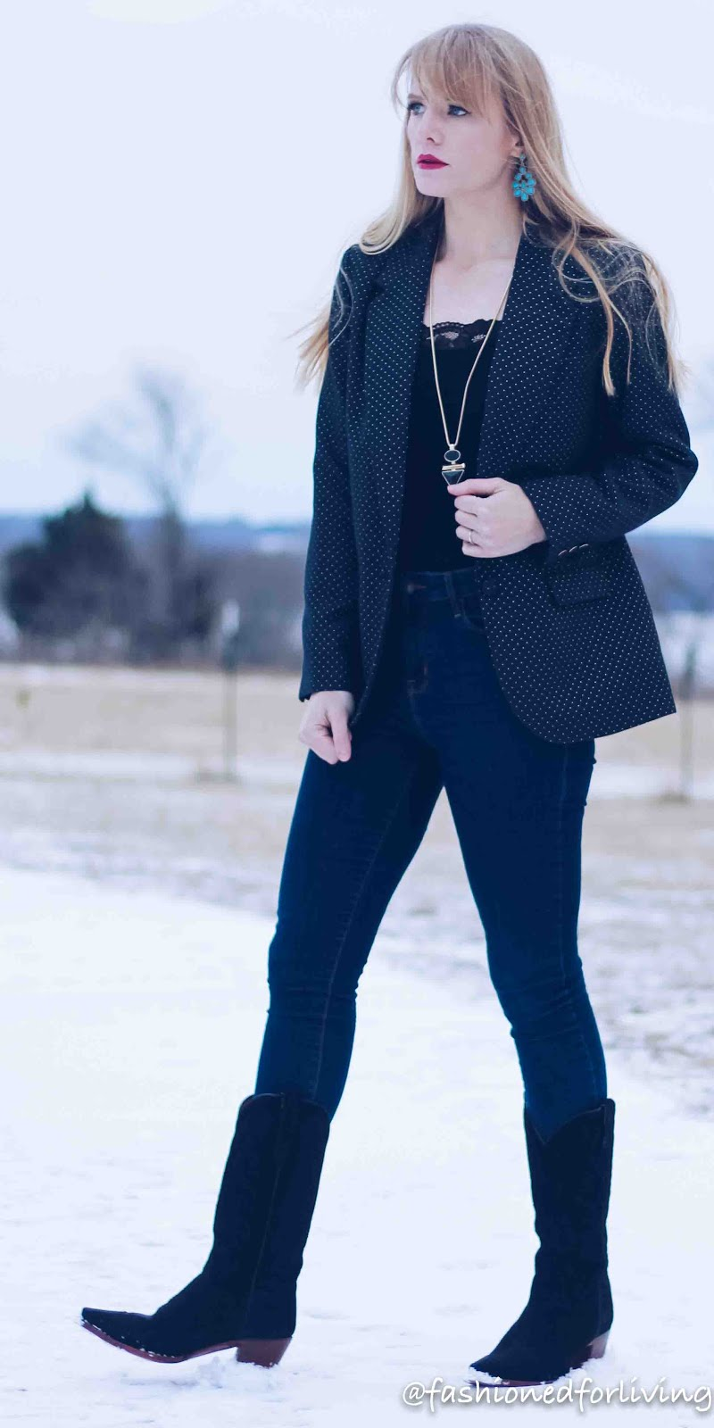 womens navy blazer outfit with skinny jeans and black  cowboy boots