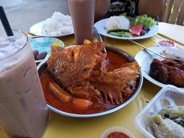 Tempat Makan Menarik di Terengganu Kari Kepala Ikan Wajib Cuba!