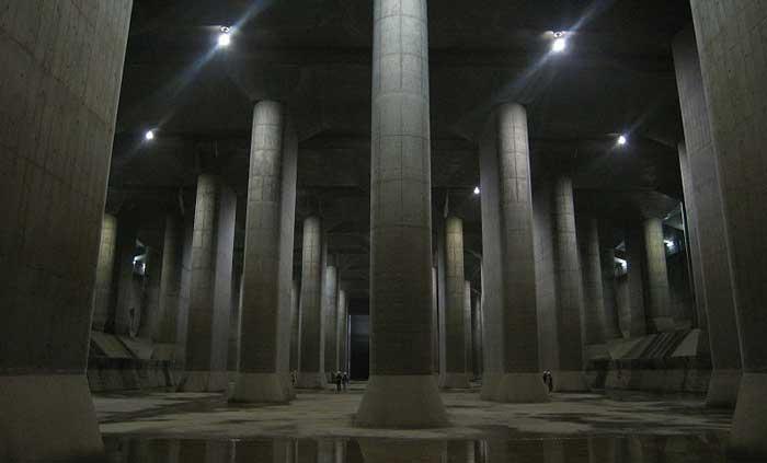 saluran air,bawah tanah,terbesar